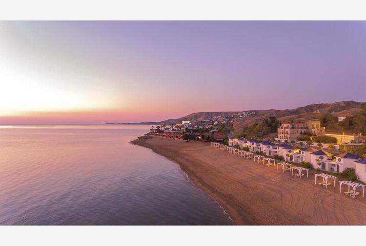 Sequestrati 18 bungalow in lido balneare, 9 indagati a Crotone
