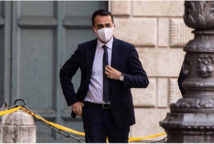 Di Maio: a Roma M5s con Raggi, altrive possibili alleanze con Pd