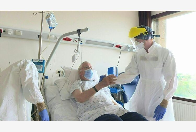Covid, 10.176 nuovi contagi e 224 morti in 24 ore