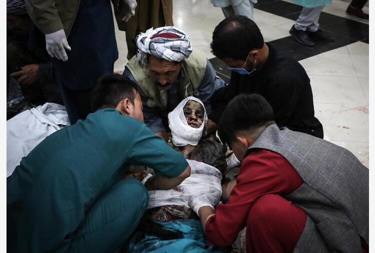 Sale a 63 il bilancio dei morti in attacco a scuola Kabul