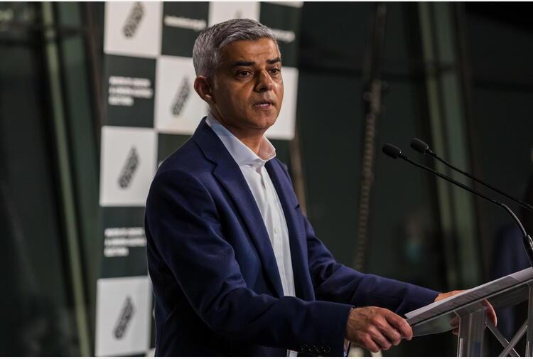 Gb: ufficiale, Khan rieletto sindaco Londra con 55,2% voti