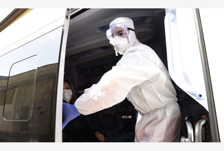 Coronavirus: in Campania 1.233 nuovi casi, 10 morti e 1.616 guariti