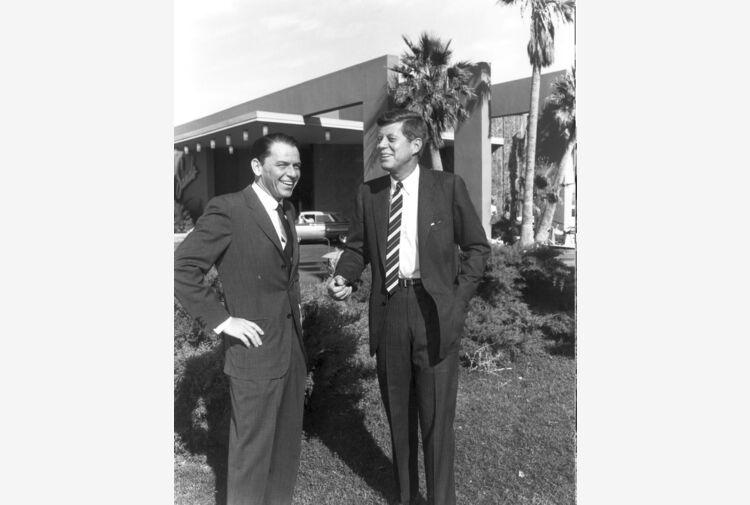 Nessuno compra villa Frank Sinatra in deserto California