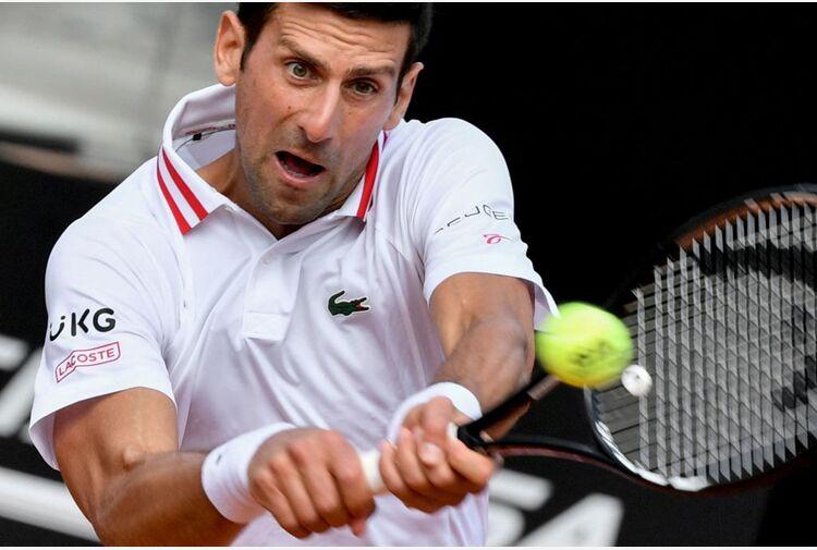 Djokovic contro Tsitsipas: una sfida tra numeri 1
