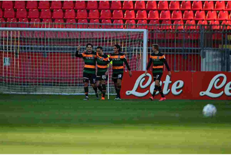Calcio: Chievo ko, Venezia in semifinle play-off di serie B