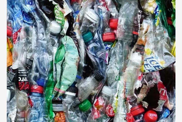 Piemonte, 10 comuni coinvolti per rendere plastic free le sponde del Po