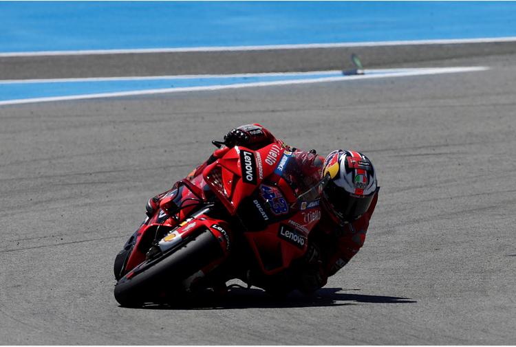 Moto: Francia; Ducati domina prime libere con Miller e Zarco