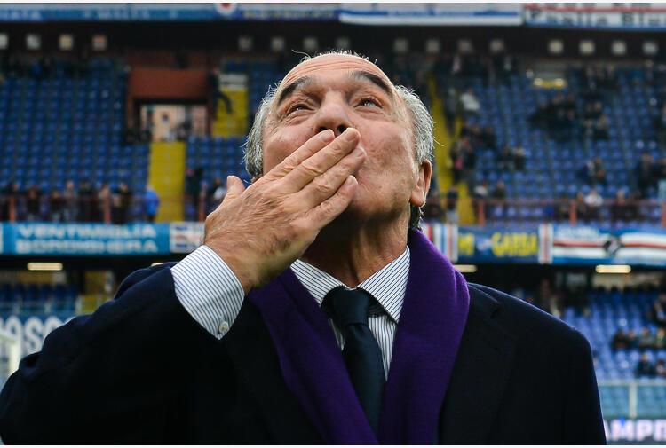 Calcio: sfogo Commisso, metto in vendita club ai fiorentini