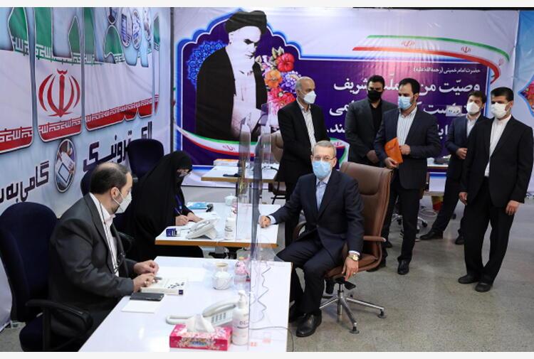 Iran: ex presidente Parlamento in corsa per presidenziali