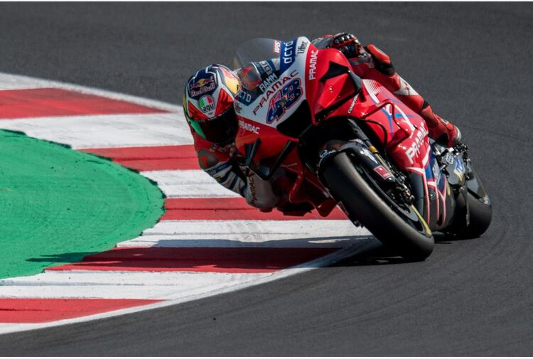 A Le Mans trionfa Miller, doppietta Ducati con Zarco