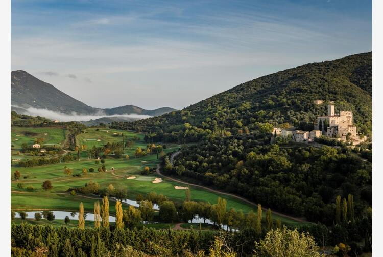 Turismo: resort lusso in antico castello e campi da golf in Umbria aprirà nel 2023