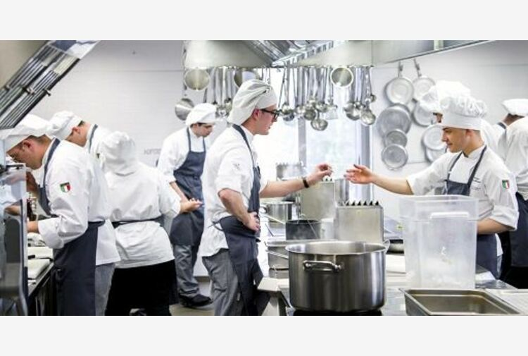 Gli chef mangiano troppi zuccheri, uno studio dell'Aquila raccomanda 'dieta'