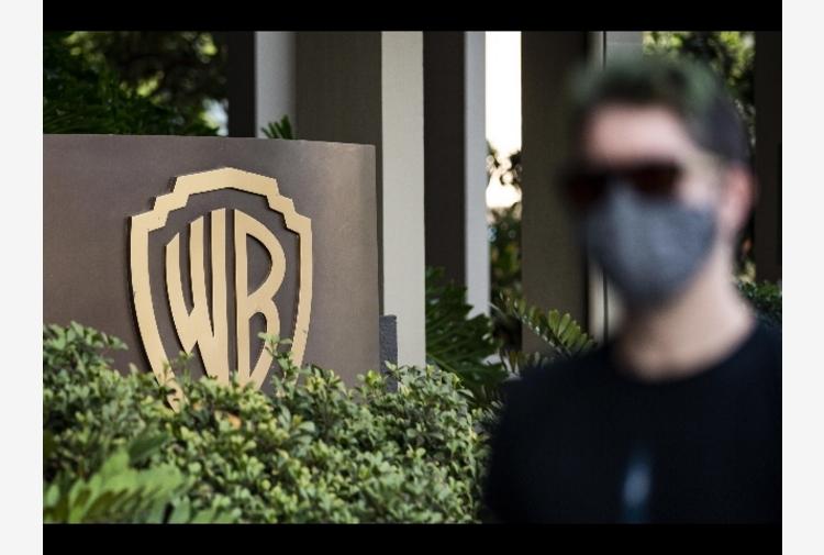AT annuncia accordo per fusione WarnerMedia e Discovery
