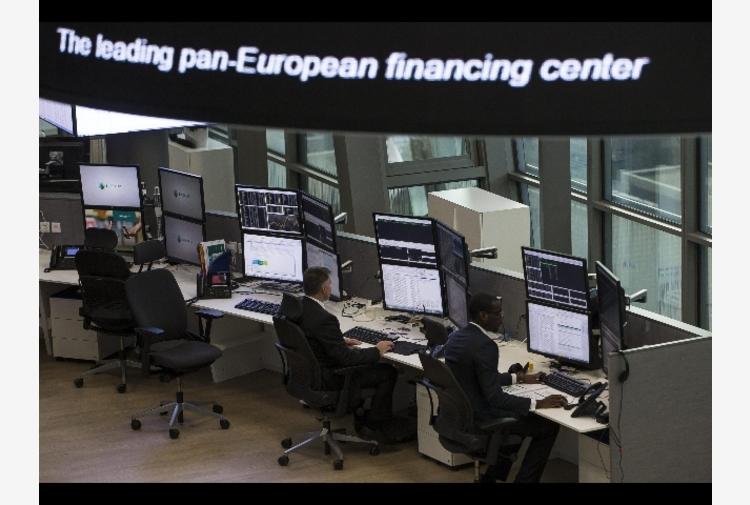 Borsa: Europa fiacca con futures Usa, tiene Milano a +0,1%