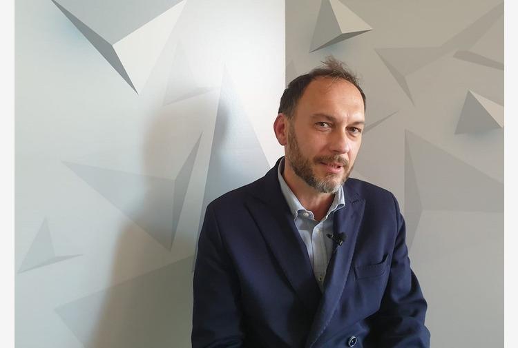 VIDEO    'Il lucernario', storia di lavoro e morte nella Napoli di oggi