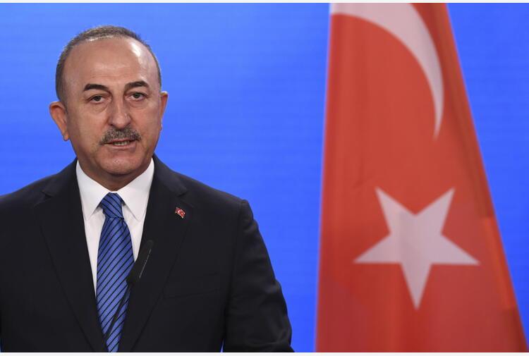 Turchia-Grecia: nuovi colloqui politici, Cavusoglu ad Atene