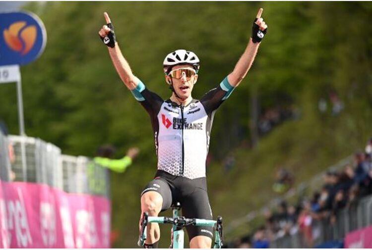 Giro d'Italia, Yates vince ad Alpe di Mera, Bernal in rosa