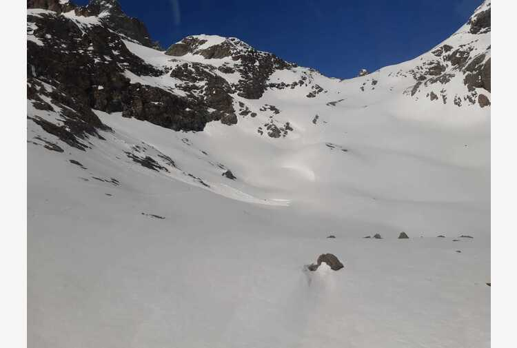 Valanghe: scialpinista morto in Valle d'Aosta