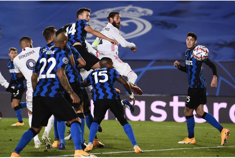 Calcio: Da Ramos a Varane, in tanti con le valigie pronte al Real