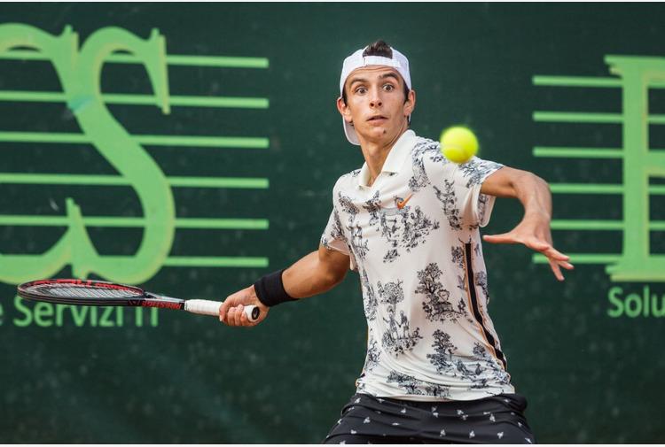 Musetti batte Cecchinato e vola agli ottavi del Roland Garros