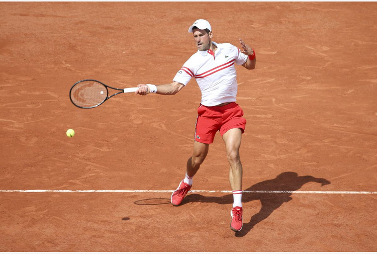 Djokovic agli ottavi del Roland Garros, sfiderà Musetti