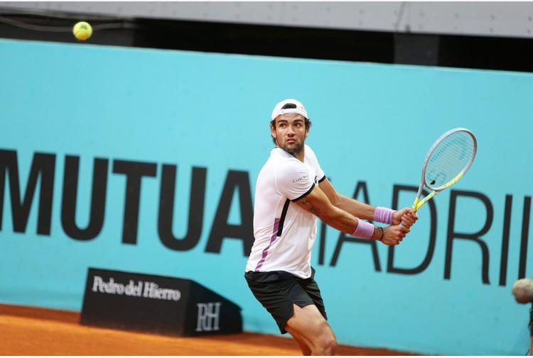 Tennis: Berrettini agli ottavi di finale del Roland Garros