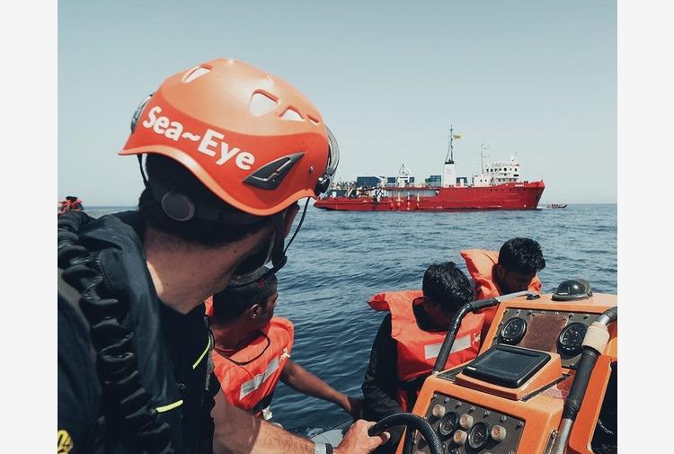 Migranti, fermo amministrativo per la Sea Eye