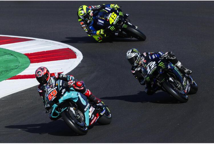 Moto: test Barcellona, volano Yamaha di Vinales e Quartararo