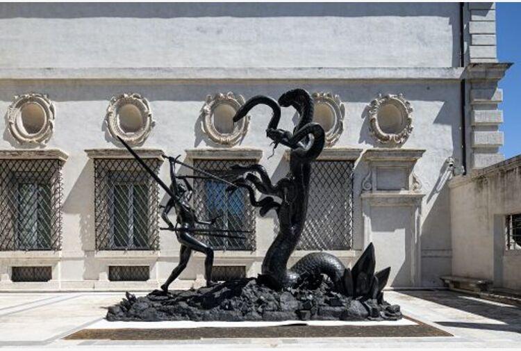 Hirst a Villa Borghese, archeologia di una narrazione totale