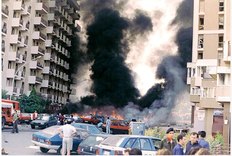 """Strage di via d'Amelio, la testimonianza del poliziotto: """"La bonifica avrebbe scoperto l'autobomba"""""""