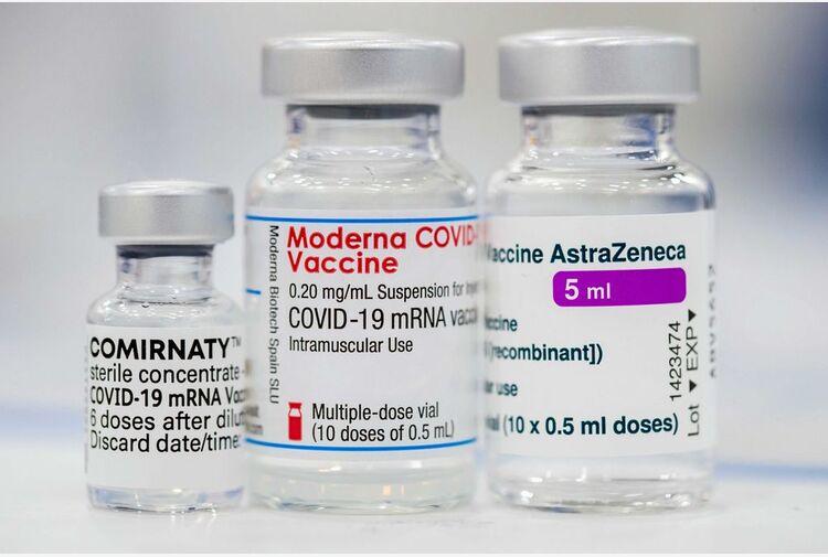 Aifa: su oltre 32 mln dosi vaccini 66mila eventi avversi. 90% non gravi
