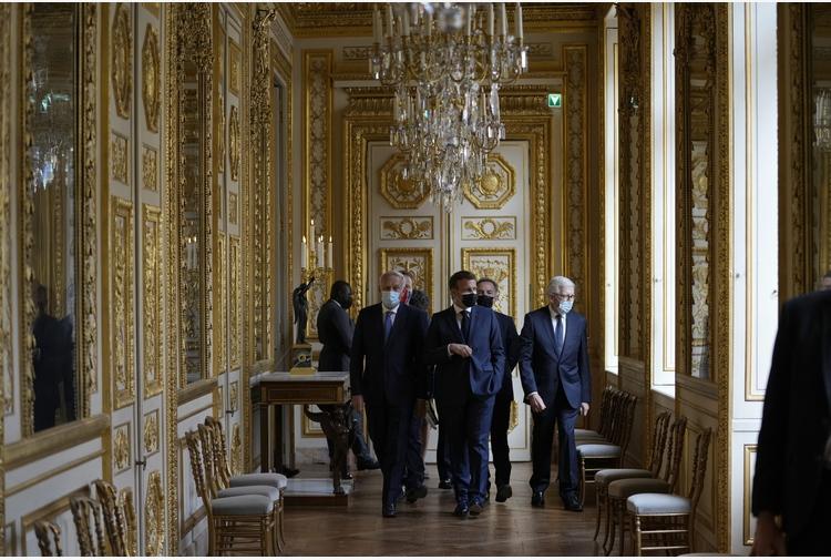 Francia, Macron inaugura l'Hotel de la Marine di Parigi