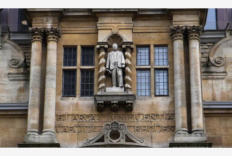 Protesta a Oxford per statua Rhodes, 'studenti da risarcire'