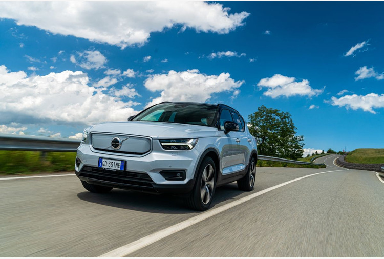Volvo XC40 Recharge ora anche Full Electric