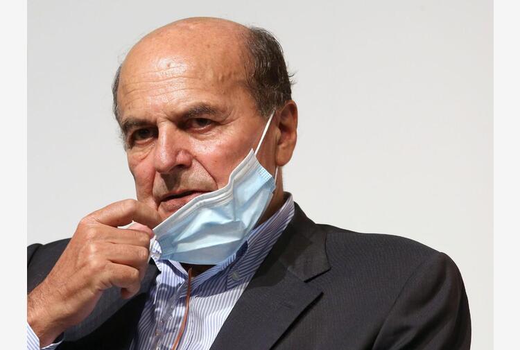 Centrosinistra, Bersani: 'Serve campo progressista che dialoghi con M5S'
