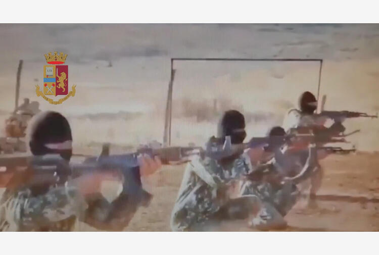 Terrorismo: documenti falsi a foreign fighters, 7 arresti