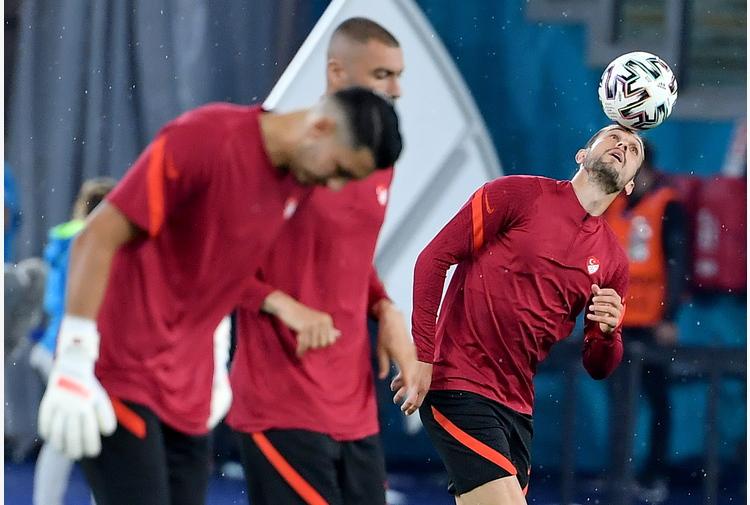 Europei: giunti in Italia 200 tifosi vip da Turchia