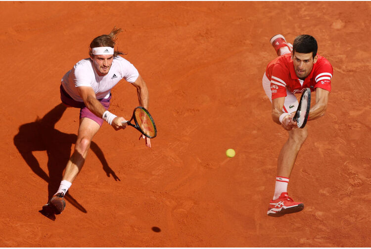 Djokovic-Tsitsipas, una finale per la storia