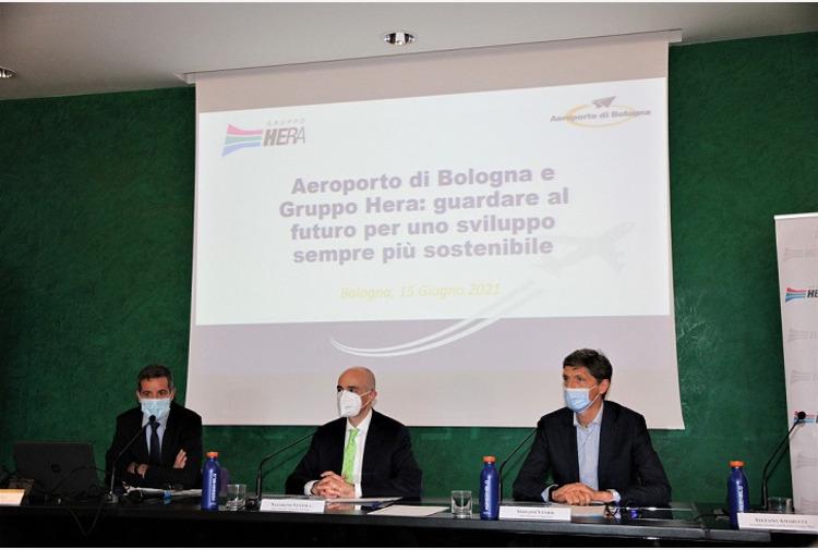 Economia circolare nell'aeroporto di Bologna, firmata intesa con Hera