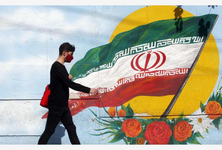 Iran: ha votato Khamenei, al via le elezioni presidenziali