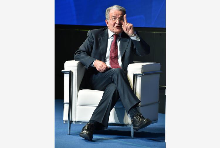 Ue: Prodi, basta unanimità per decisioni,serve linea comando