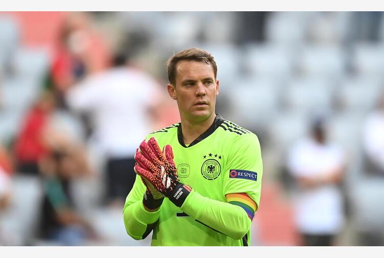 Uefa, fascia arcobaleno Neuer è buona causa, nessuna multa
