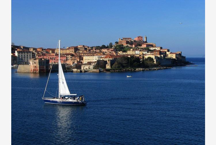 Toscana, al via il servizio integrato treno-nave per l'Isola d'Elba