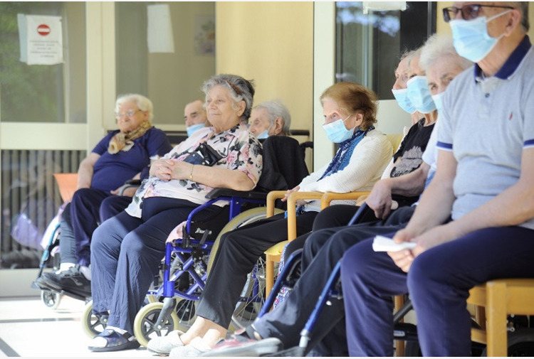 Emilia Romagna, riaperti i centri diurni per anziani e disabili