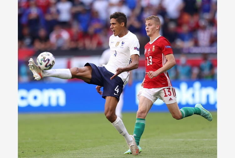 Varane si allontana da Real, su di lui lo United