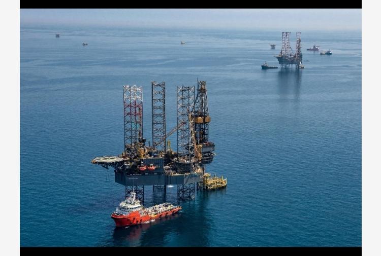 Petrolio: chiude in rialzo a New York a 73,30 dollari