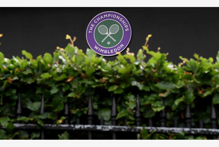 Wimbledon, si ritira anche Halep!