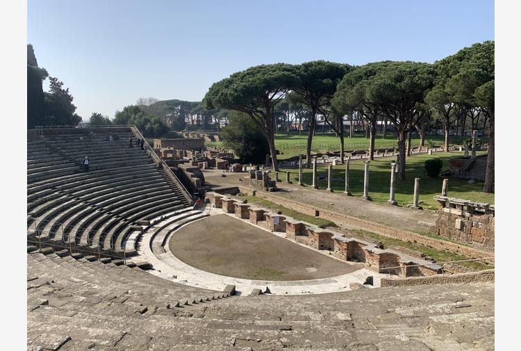'Festival di Ostia Antica' al Teatro Romano con Popolizio, Lillo & Greg e omaggi a Dalla, Battisti, Dylan