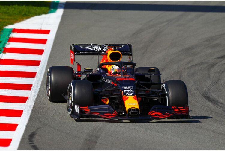 Verstappen in pole al gp di Stiria, Leclerc 7° e Sainz 12°
