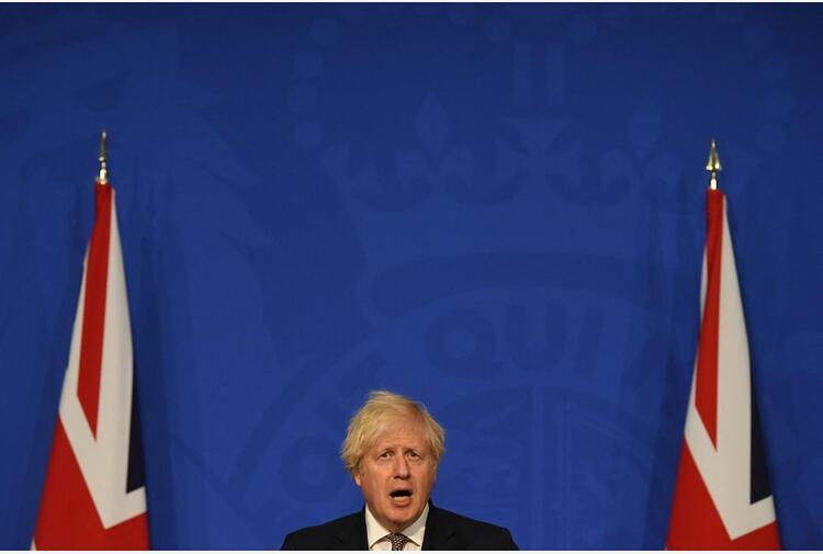 Johnson riapre il Regno Unito, cosa dicono gli esperti
